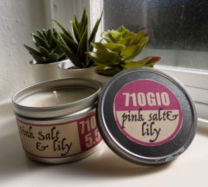 5.5oz Pink salt and lily soy candle