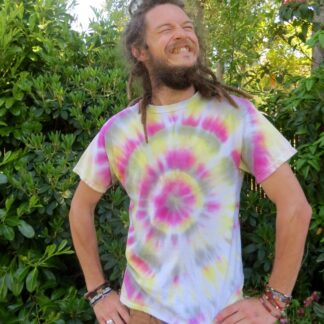 Q10 - Adult Medium Tie Dye T-shirt - M - Pastel goth Black pink yellow surreal psychedelic trippy tee