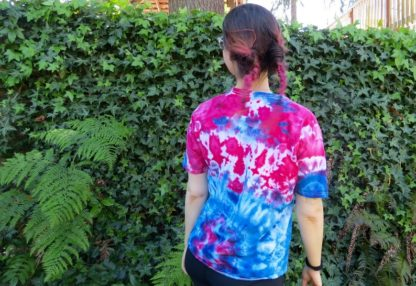 Q26 - Adult Large Tie Dye T-shirt - L - Red white and blue minimalist abstract psychedelic ice dye tee hippie boho bohemian trippy vaporwave